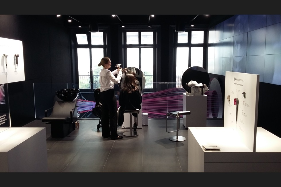 test play in the dyson demo oxford street. Black Bedroom Furniture Sets. Home Design Ideas