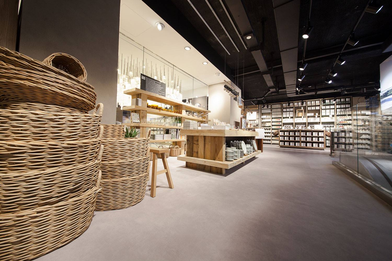 muji franchise This statistic illustrates the total number of muji stores worldwide from fiscal year 2012 to 2017 in fiscal 2017, there were 876 muji stores operating worldwide, up from 821 global stores in the.