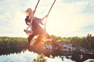zara-woman-swing