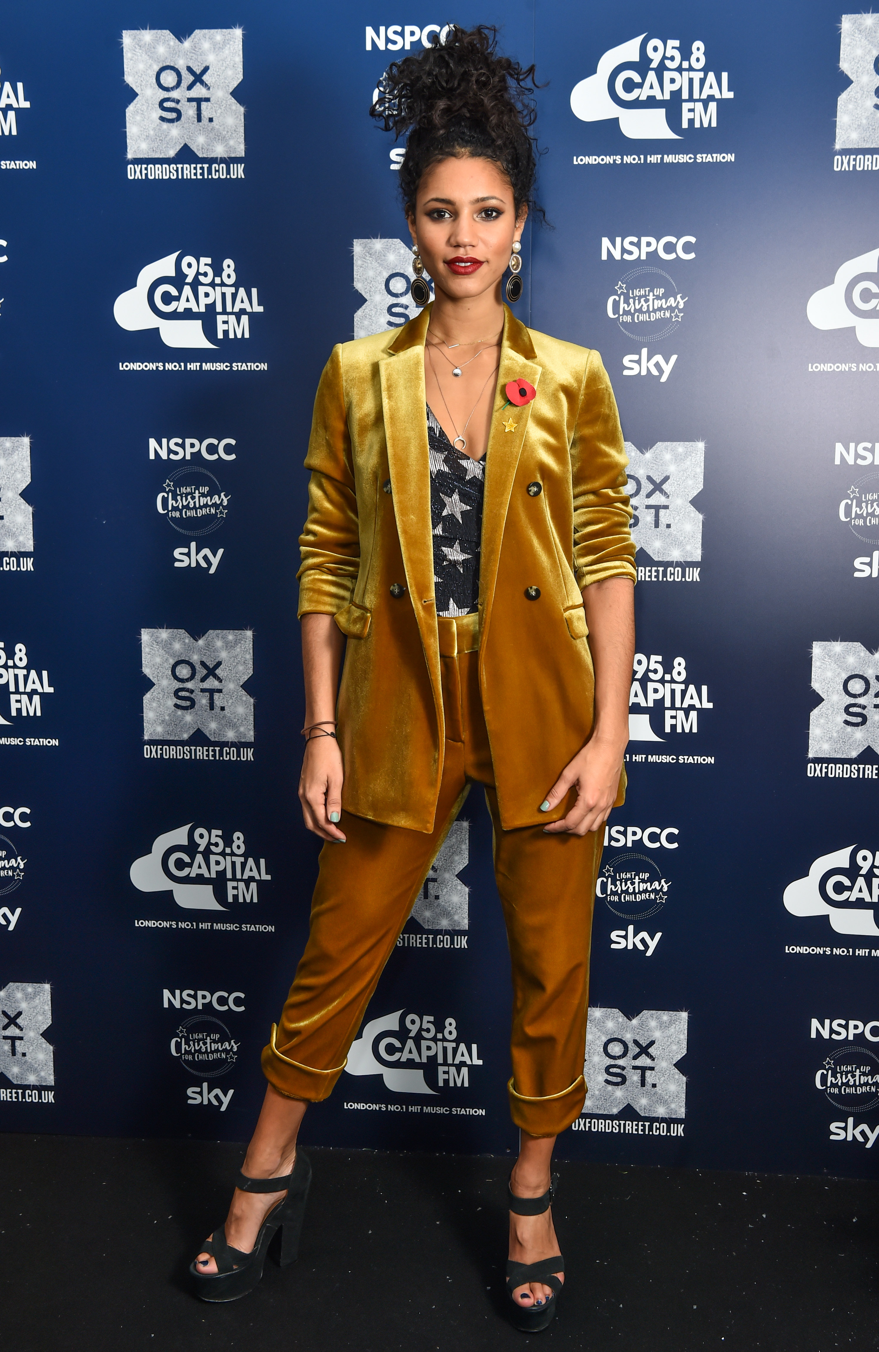 Vick Hope Outfit